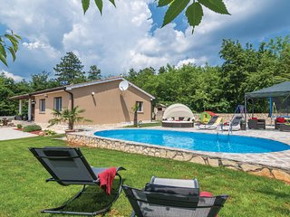 Awesome home in Snasici w/ WiFi and 3 Bedrooms