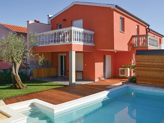 Awesome home in Barbariga w/ WiFi, 2 Bedrooms and Outdoor swimming pool