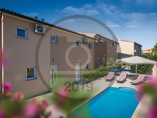 Stunning home in Vodnjan w/ WiFi, 4 Bedrooms and Outdoor swimming pool