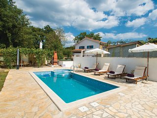 Nice home in Labin w/ WiFi and 2 Bedrooms