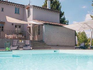 Elegante villa in de heuvels rond Pisa