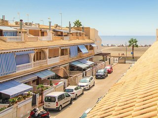 Amazing home in Santa Pola w/ 3 Bedrooms