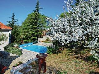 Vakantieverblijf met aantrekkelijke tuin (CIK307)