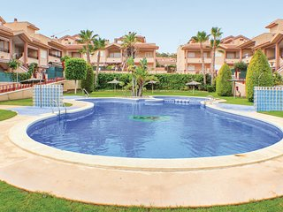 Awesome home in Santa Pola w/ Outdoor swimming pool and 2 Bedrooms (EBL018)