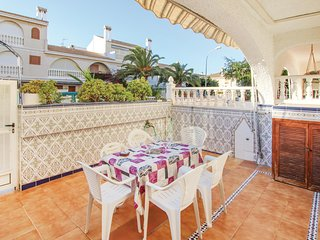 Stunning home in Santa Pola w/ WiFi and 4 Bedrooms