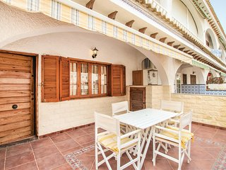 Nice home in Santa Pola w/ 4 Bedrooms (EBL093)