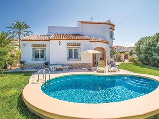 Beautiful home in Els Poblets w/ 3 Bedrooms