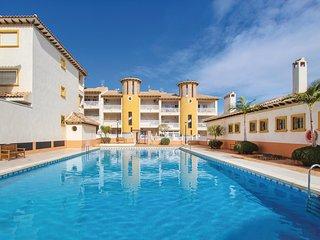Stunning home in La Marina del Pinet w/ 2 Bedrooms