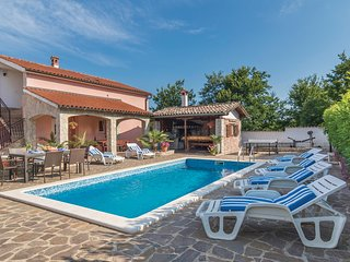 Awesome home in Labin w/ WiFi and 4 Bedrooms