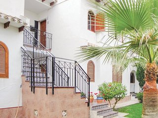 Nice home in Cabo Roig w/ 1 Bedrooms