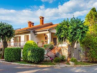 Nice home in Nedescina w/ 3 Bedrooms