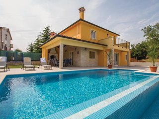 Stunning home in Nedescina w/ WiFi and 3 Bedrooms (CIK838)