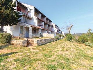 Amazing home in Duga Uvala w/ 1 Bedrooms