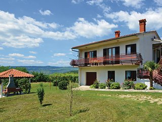 Beautiful home in Cepic w/ WiFi and 2 Bedrooms