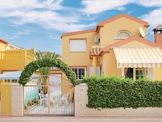 Amazing home in Torrevieja w/ WiFi and 3 Bedrooms (EBL617)