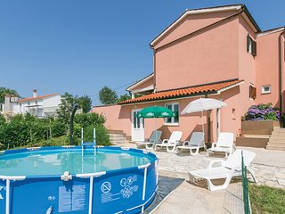 Awesome home in Labin w/ 3 Bedrooms