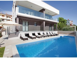 Amazing home in Rabac w/ WiFi and 4 Bedrooms