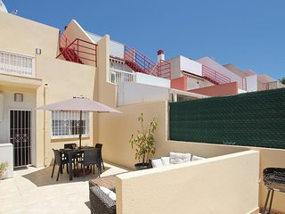 Awesome home in Torrevieja w/ WiFi and 3 Bedrooms (EBL784)