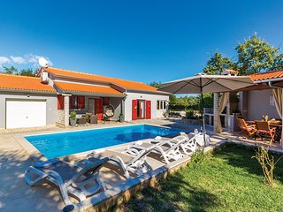 Stunning home in Pavicini w/ WiFi and 2 Bedrooms