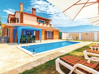 Nice home in Vodnjan w/ WiFi and 7 Bedrooms