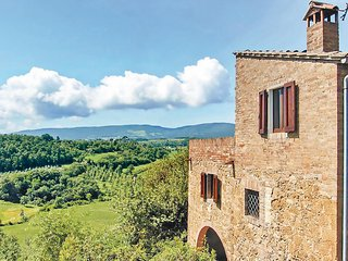 Awesome home in Chianciano Terme -SI- w/ 3 Bedrooms