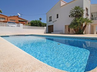Beautiful home in Calpe w/ 3 Bedrooms