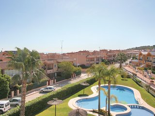 Awesome home in Santa Pola w/ 3 Bedrooms