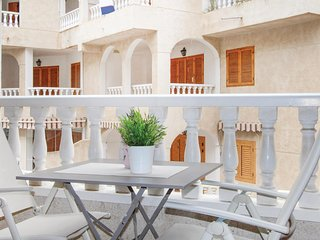 Beautiful home in Torrevieja w/ 2 Bedrooms