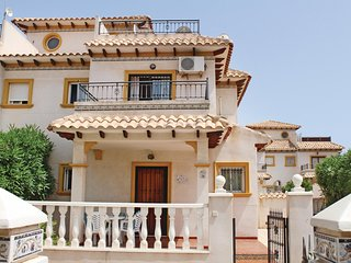 Nice home in Cabo Roig, Orihuela w/ WiFi and 2 Bedrooms