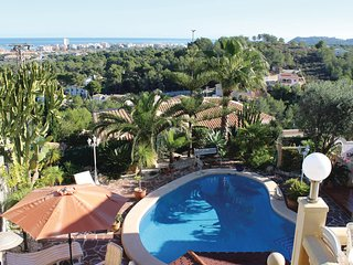 Amazing home in Javea w/ WiFi and 2 Bedrooms