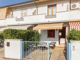 Nice home in Torre del Lago -LU- w/ 3 Bedrooms (ITV712)