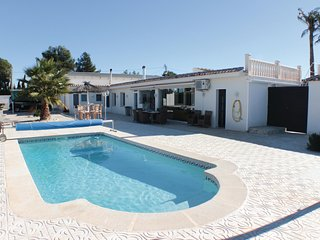Nice home in Crevillente w/ WiFi and 3 Bedrooms