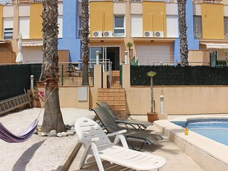 Awesome home in Dehesa de Campoamor w/ 3 Bedrooms