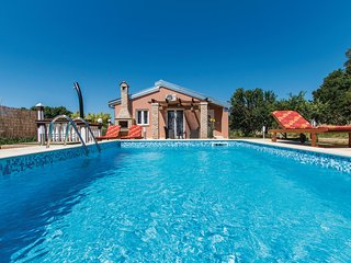 Beautiful home in Pula w/ WiFi and 2 Bedrooms