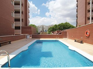 Awesome home in Alicante w/ 4 Bedrooms