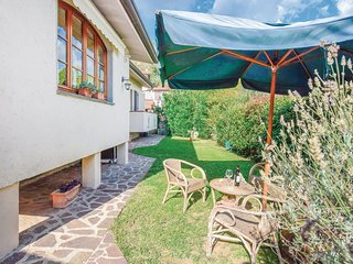 Amazing home in Camaiore -LU- w/ 3 Bedrooms
