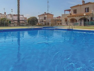 Nice home in Torrevieja w/ 3 Bedrooms (EBL927)