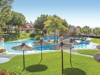 Beautiful home in Gran Alacant w/ WiFi, Outdoor swimming pool and 3 Bedrooms (EB