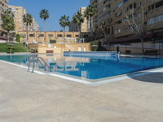 Stunning home in Alicante w/ Outdoor swimming pool and 3 Bedrooms (EBL952)