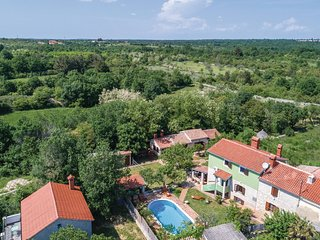 Amazing home in Vodnjan-Kacana w/ WiFi and 4 Bedrooms (CIL120)