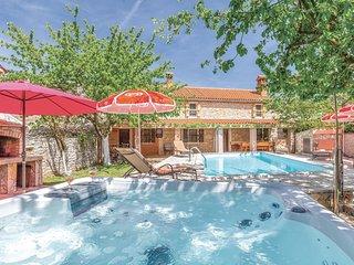 Stunning home in Barban-Sajini w/ Jacuzzi, Sauna and 3 Bedrooms