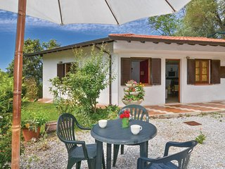Beautiful home in Camaiore LU w/ 2 Bedrooms