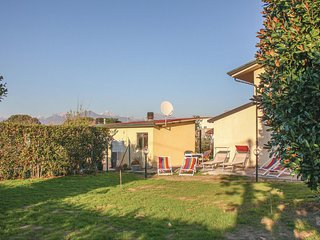 Amazing home in Viareggio -LU- w/ 4 Bedrooms