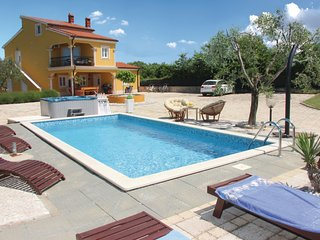 Nice home in Vodnjan w/ WiFi and 6 Bedrooms