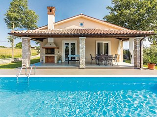 Beautiful home in Barban w/ WiFi and 2 Bedrooms