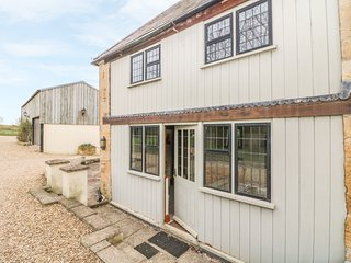 TALLET BARN, perfect for couples, Little Rissington