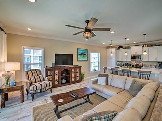 Beach Resort Townhome on Arnold Palmer Golf Course