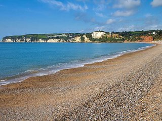 A little gem – cosy 2 bed house close to the beach