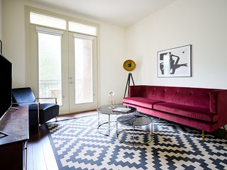 Chic 1BR in Uptown by Sonder