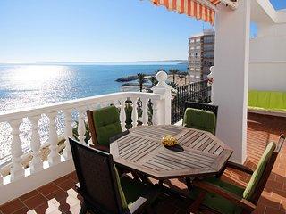 'WINWARD': Bright penthouse facing the Mediterranean. Amazing terrace. WIFI